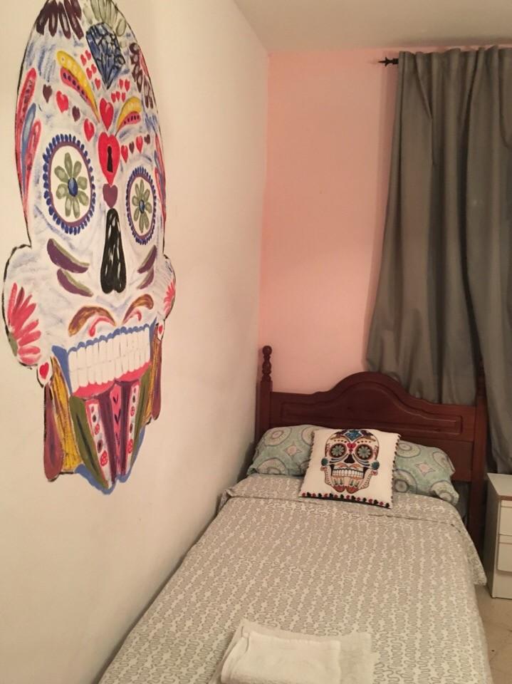 Cozy room in Center of Malaga y close to Compas El Ejido