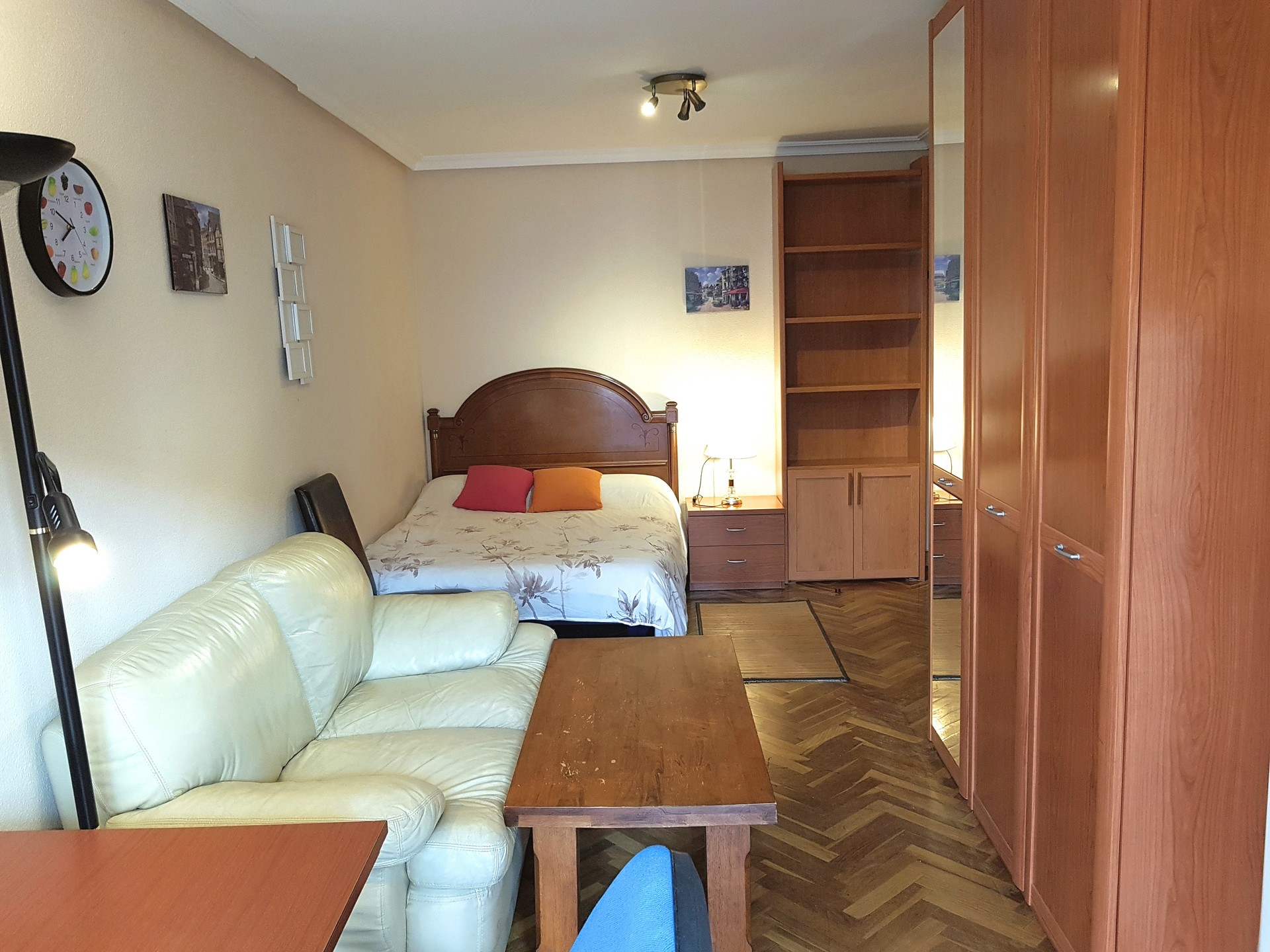 Cozy single room in the center of Salamanca (only