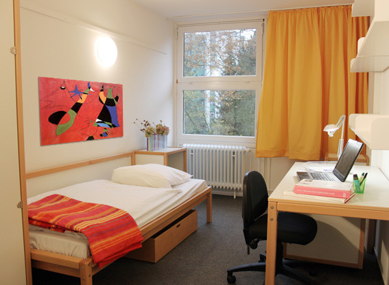 cozy-spacious-room-students-residence-march-fae5d553bac26b694aa9a0649050b733