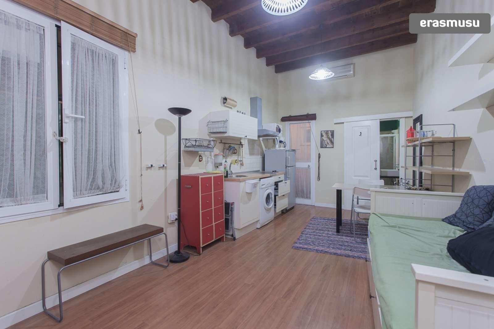 Cozy studio apartment with patio for rent in Regina-La ...