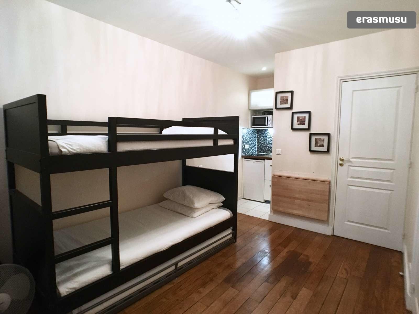 Cozy Studio With Bunk Beds For Rent In Lourve Rent Studios Paris