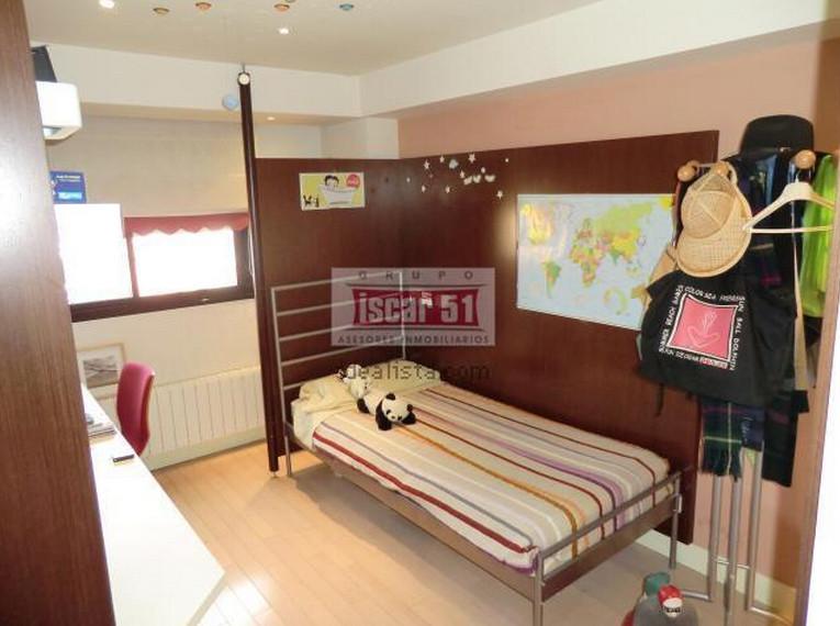 Alquiler cuartos en apartamento dúplex de diseño, amueblado, rehabilitado y  con piscina