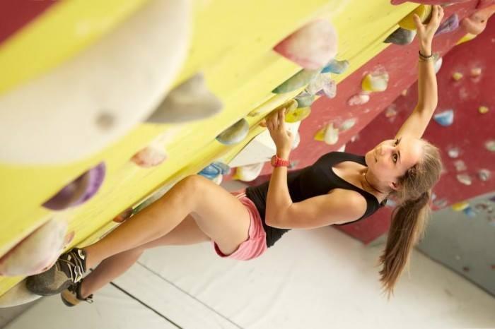 Cursos de escalada y entrenamientos en el mejor gimnasio de escalada de Polonia