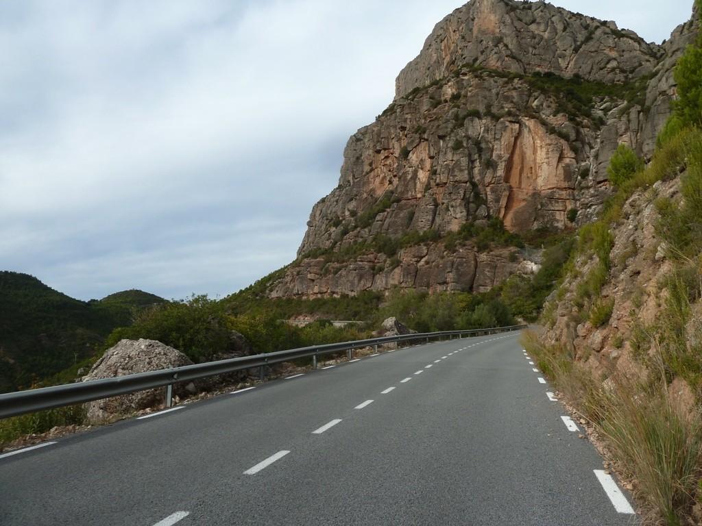 cycling-tour-montserrat-8c7a816ff4bc18c7