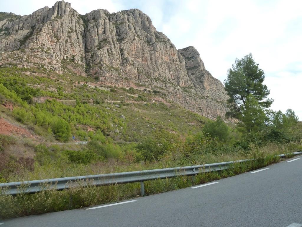 cycling-tour-montserrat-8d8e0fd5e7be8403