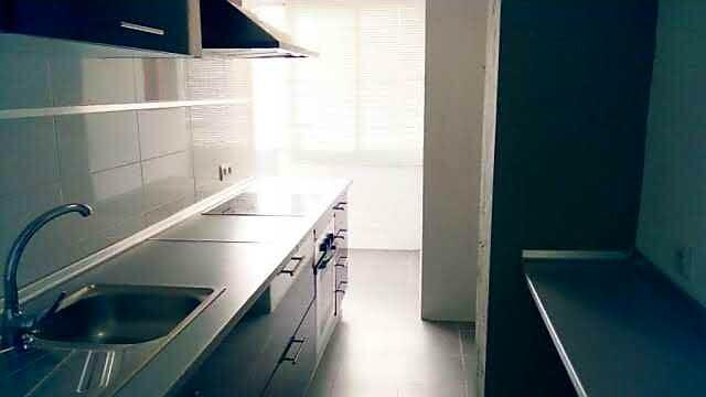 Maginifica habitacion en piso compartido con 2 chi