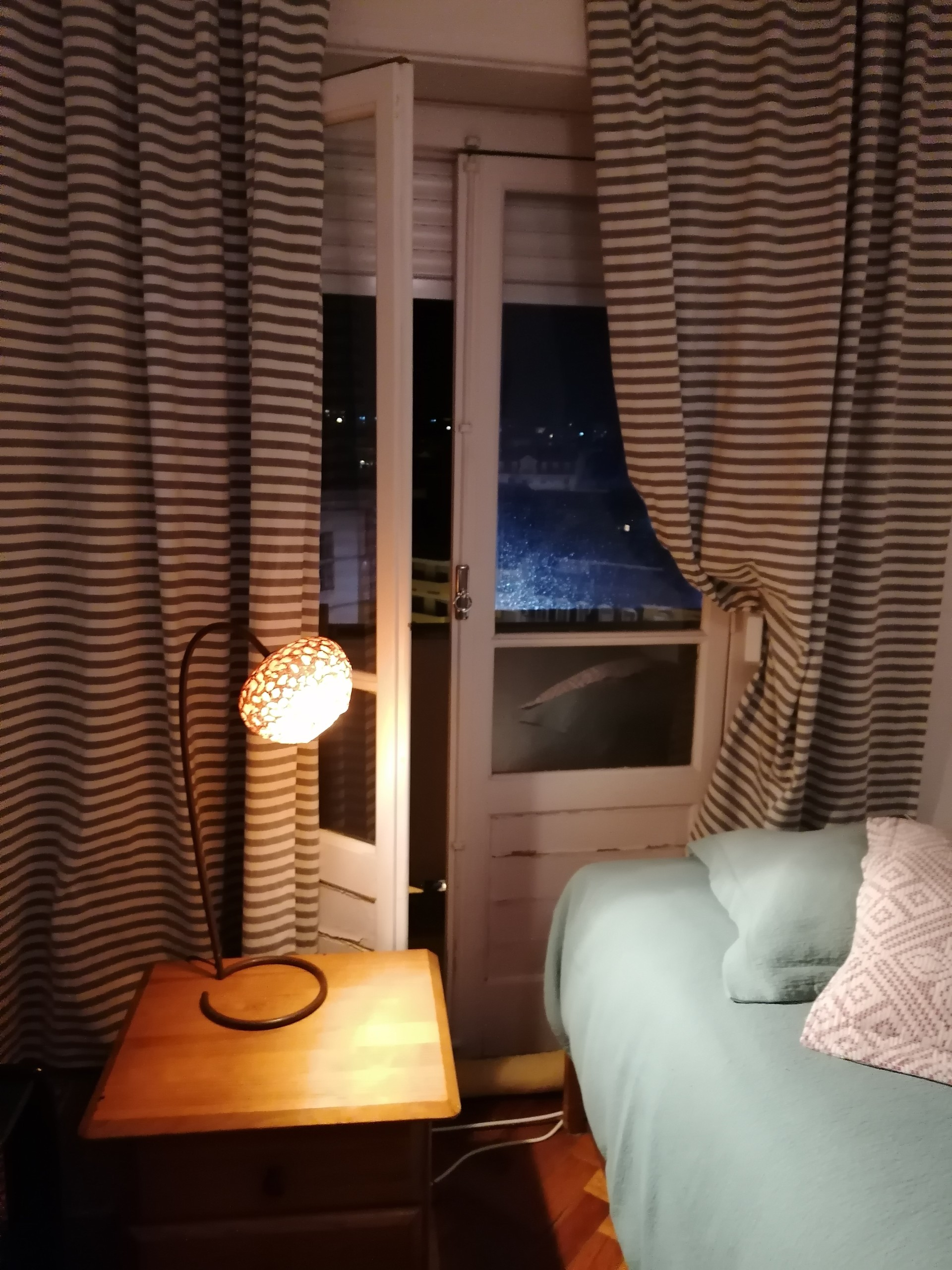 Room in small apartment with 2 rooms center Lisbon   Room ...