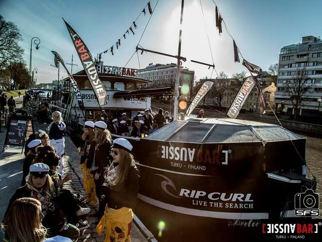 de-fiesta-barco-8a5526c2c5de8b21db290430
