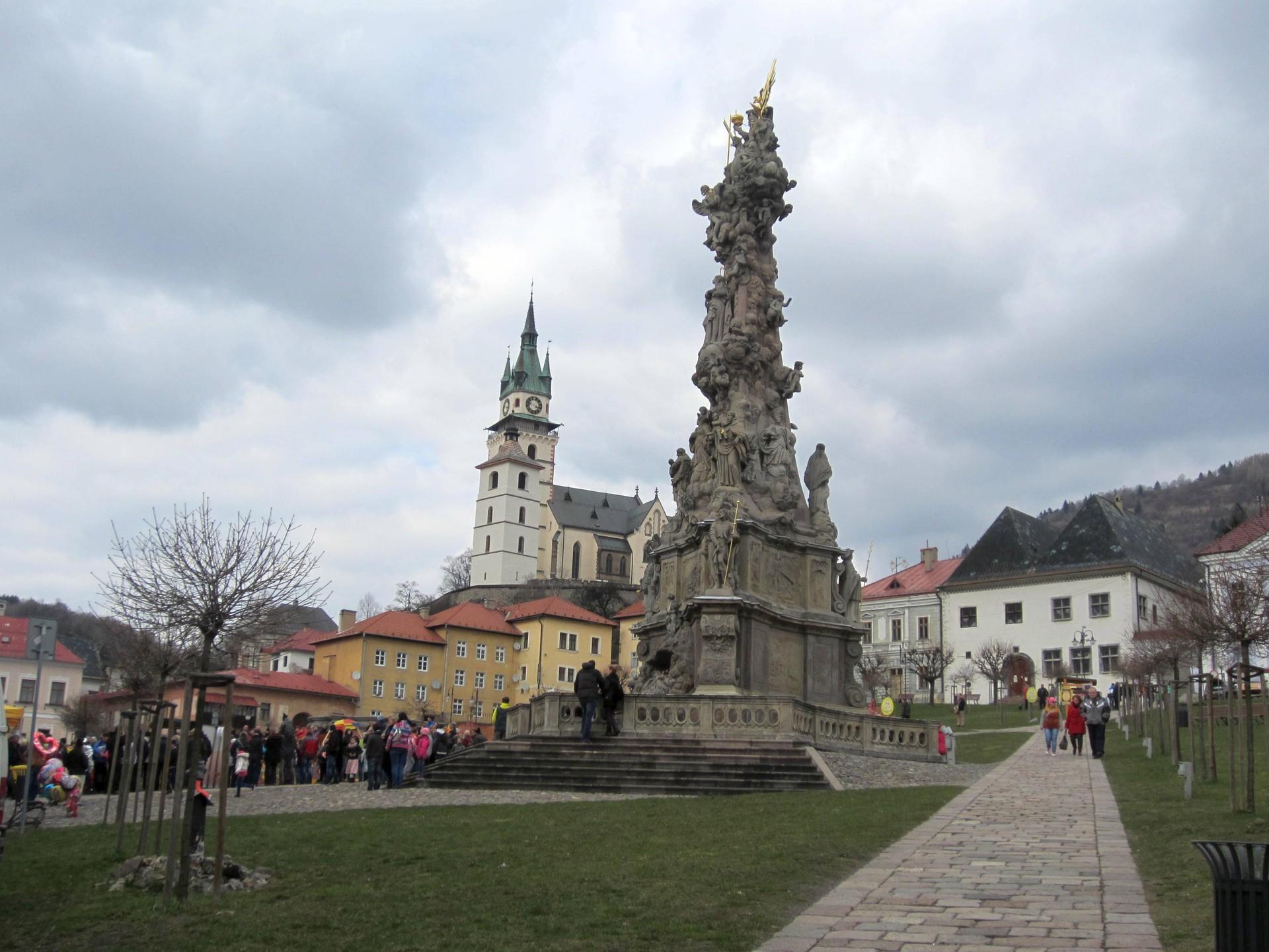 De los permonici de Spania Dolina a Toliar de Kremnica - Viaje de Pascua en autobús y tren.