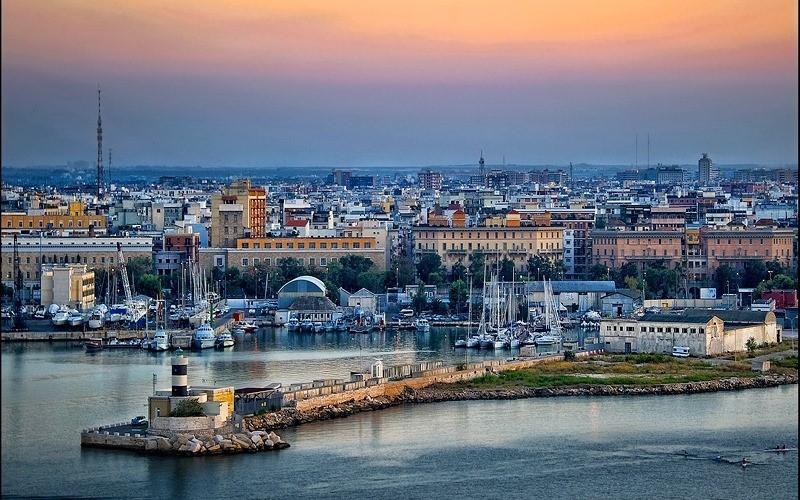 Découvrir une petite ville d'Italie : Bari.