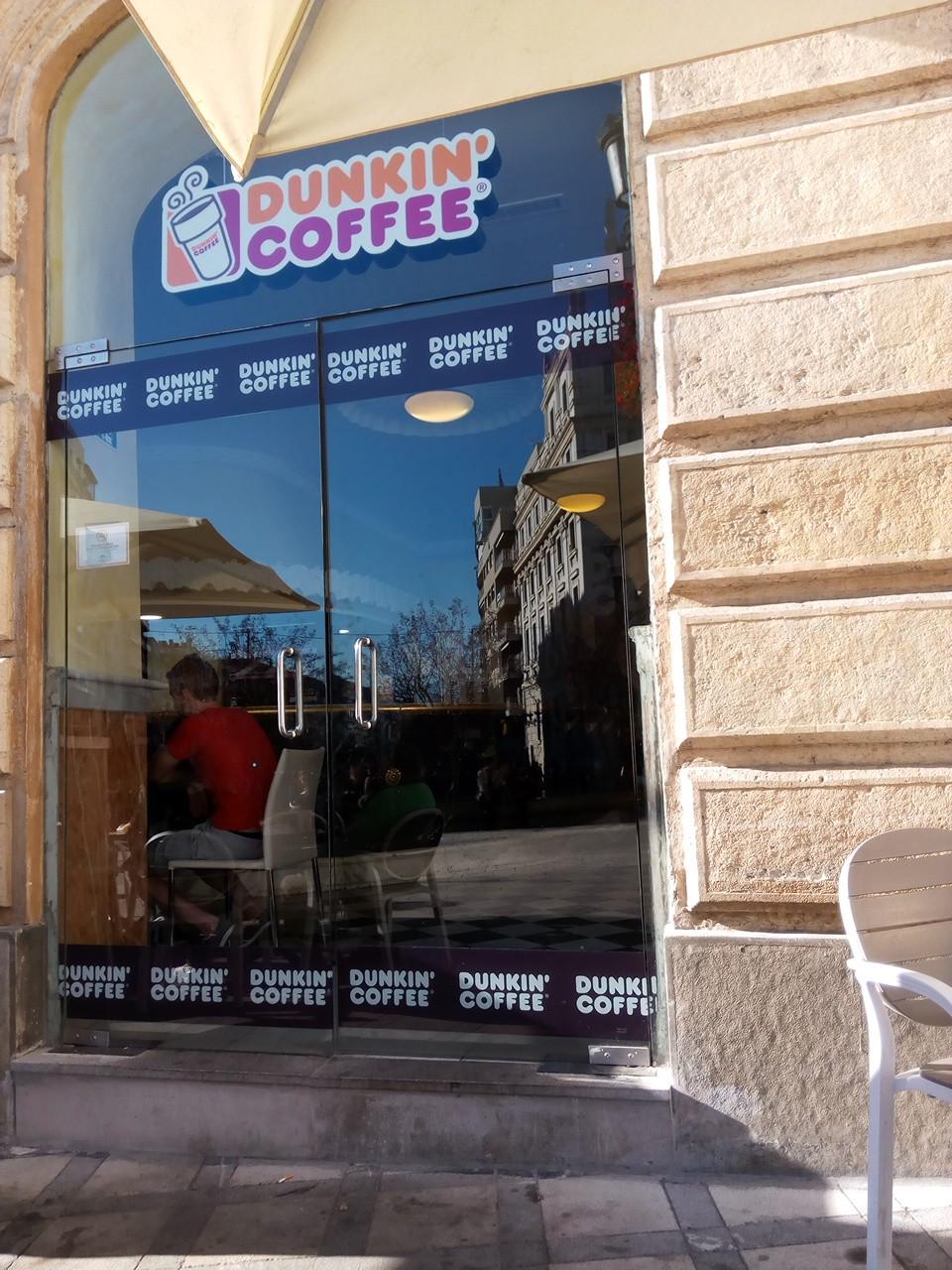 Deliciosos donuts en Dunkin Coffee