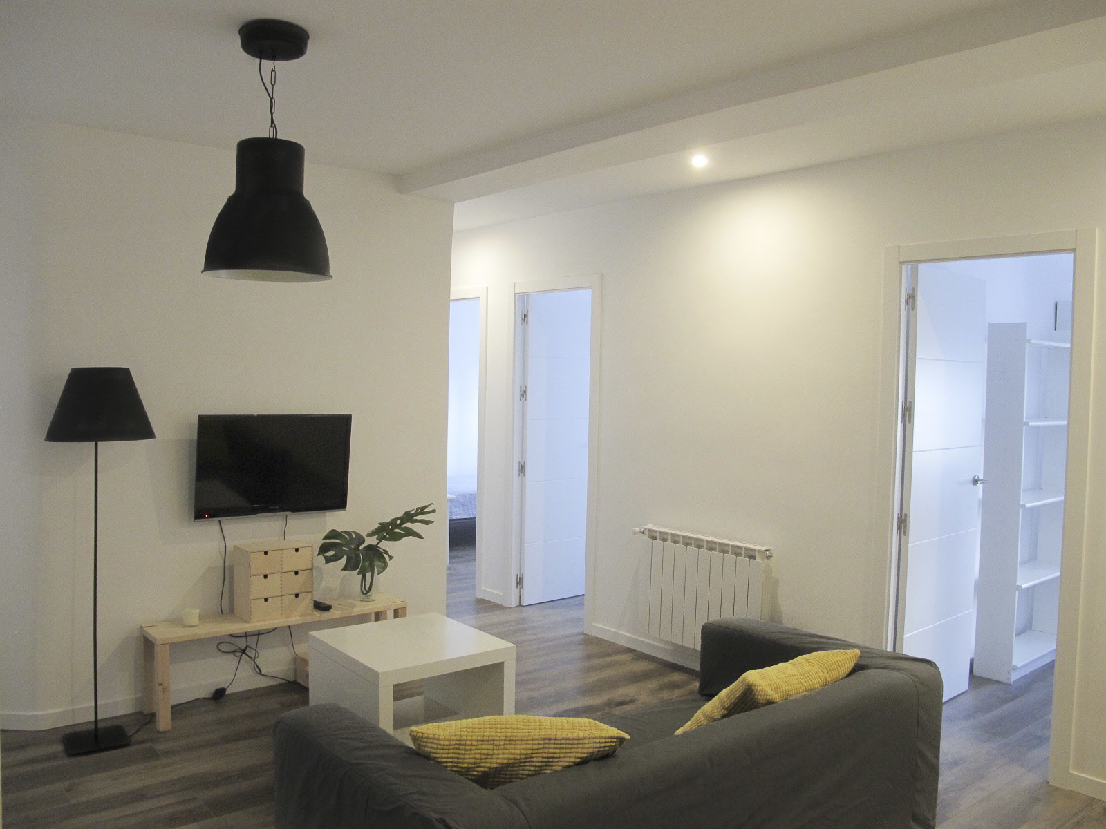 ... Delightful 3 Bedroom Apartment For Rent In Madrid ...