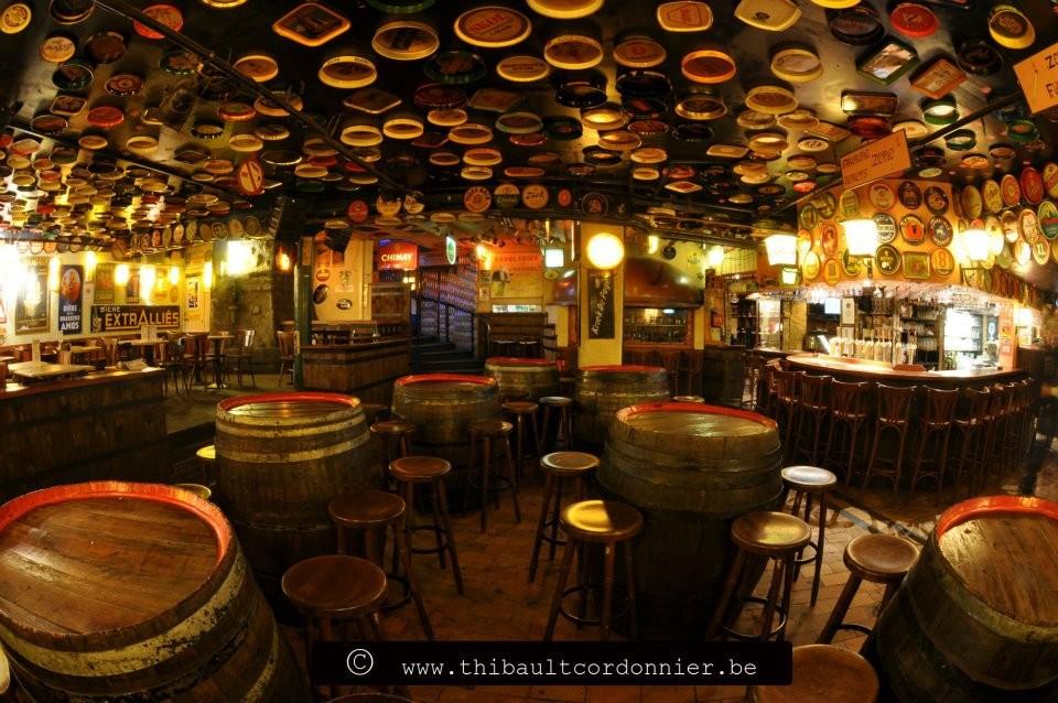 Delirium bar~Mais de 2400 cervejas! Que mais?