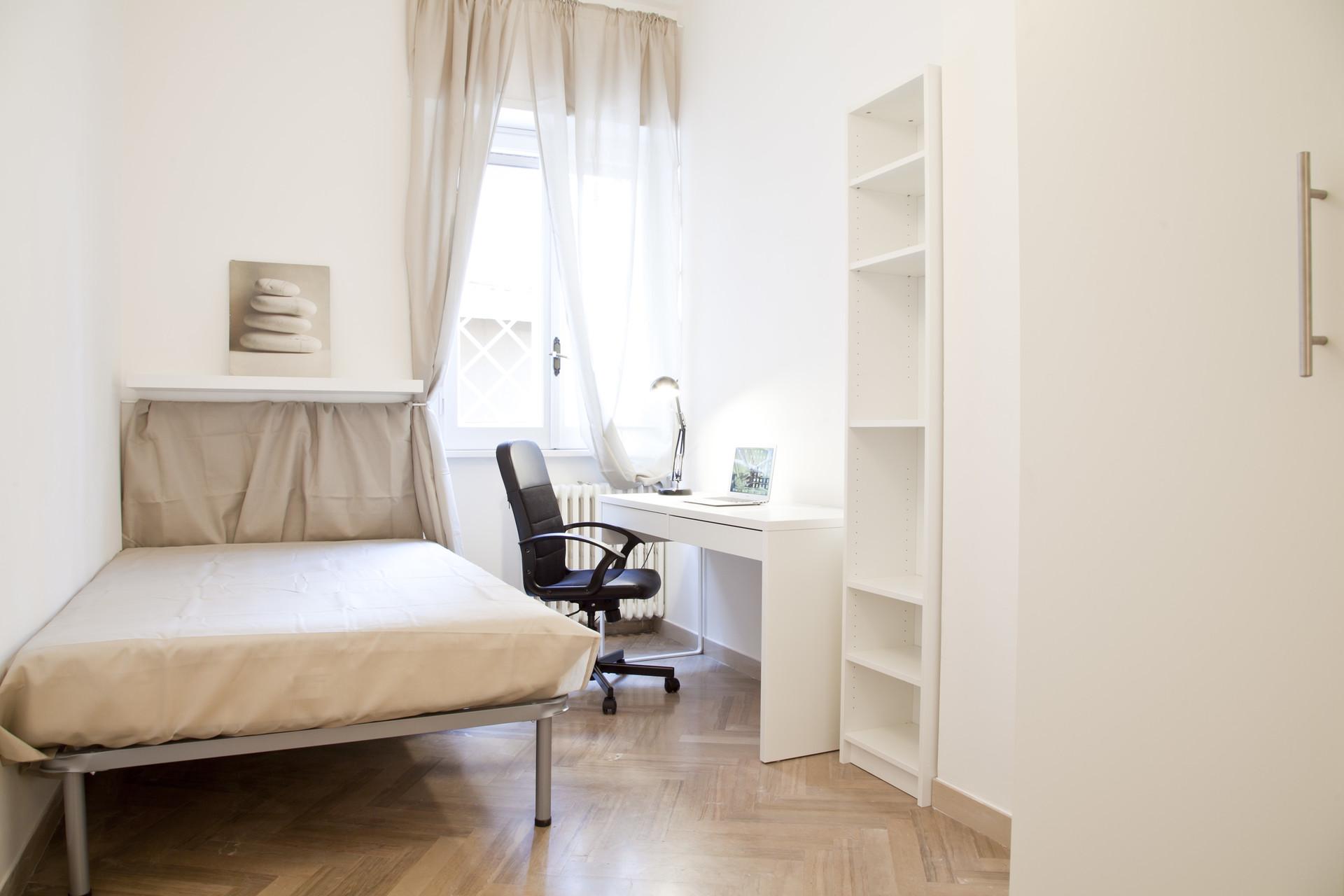 Ampia camera con letto ad una piazza e mezzo stanze in affitto roma - Letto ad una piazza e mezzo ...