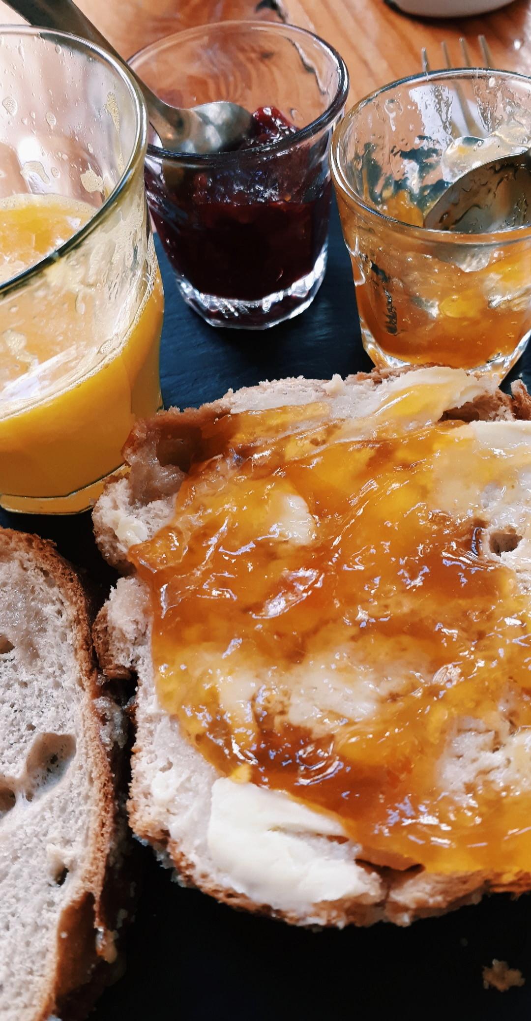 desayuno-frances-corazon-holanda-3b8fe42