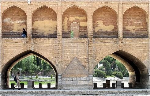 Diari di Isfahan (II): il salto dei ponti