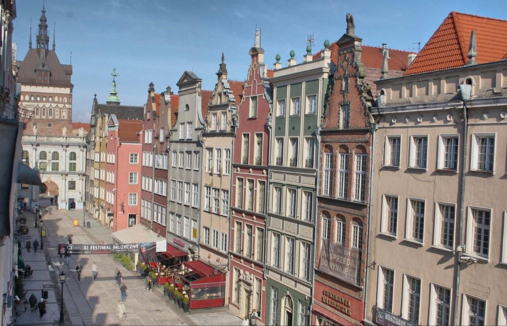 Dluga Street, the Heart of Old Town, Gdansk : Flat rent Gdansk