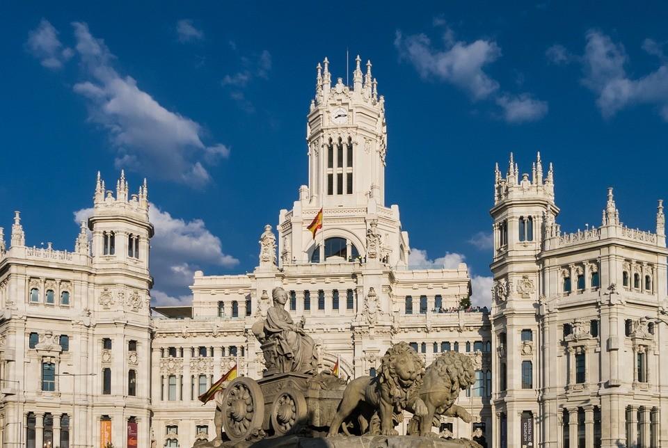 Doświadczenia z Madrytu, Hiszpania według Leoneli