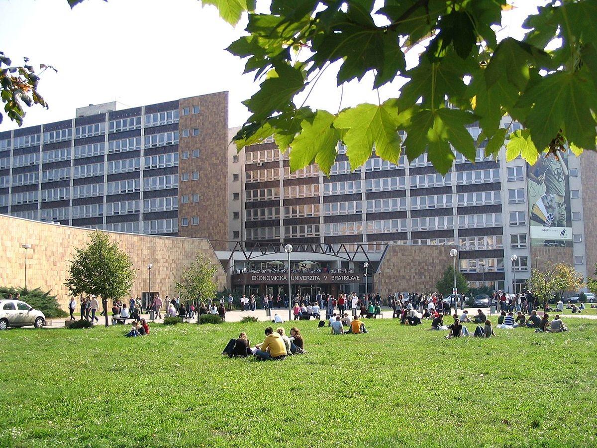 Doświadczenie na Uniwersytecie Ekonomicznym w Bratysławie, Słowacja według Barbory