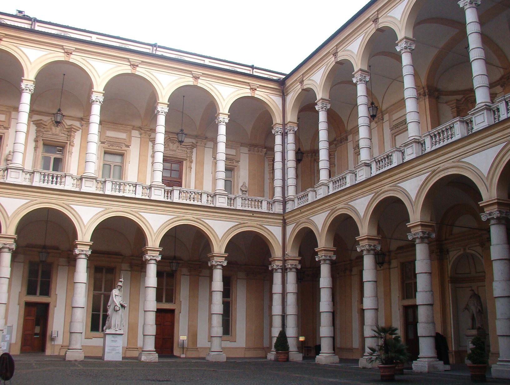 Doświadczenie na Uniwersytecie Turyńskim, Włochy według Inesy