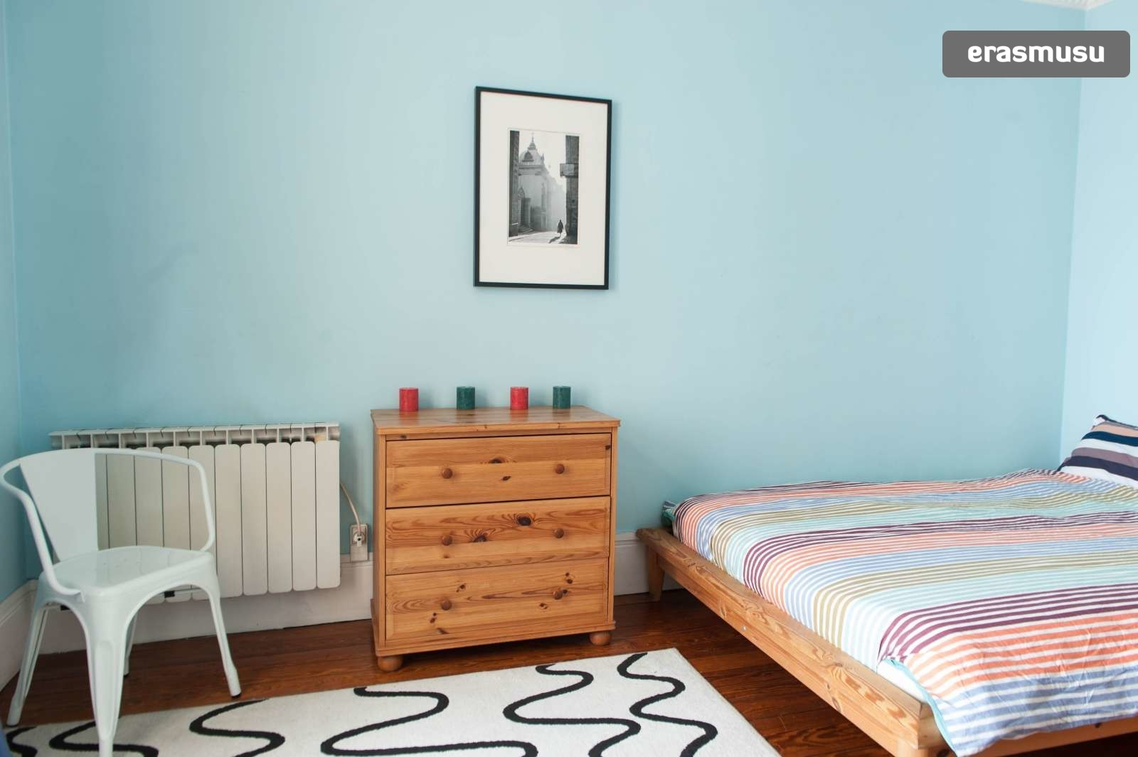 Strange Double Bed In Room For Rent In A 2 Bedroom Apartment In Paris Bills Included Beutiful Home Inspiration Xortanetmahrainfo