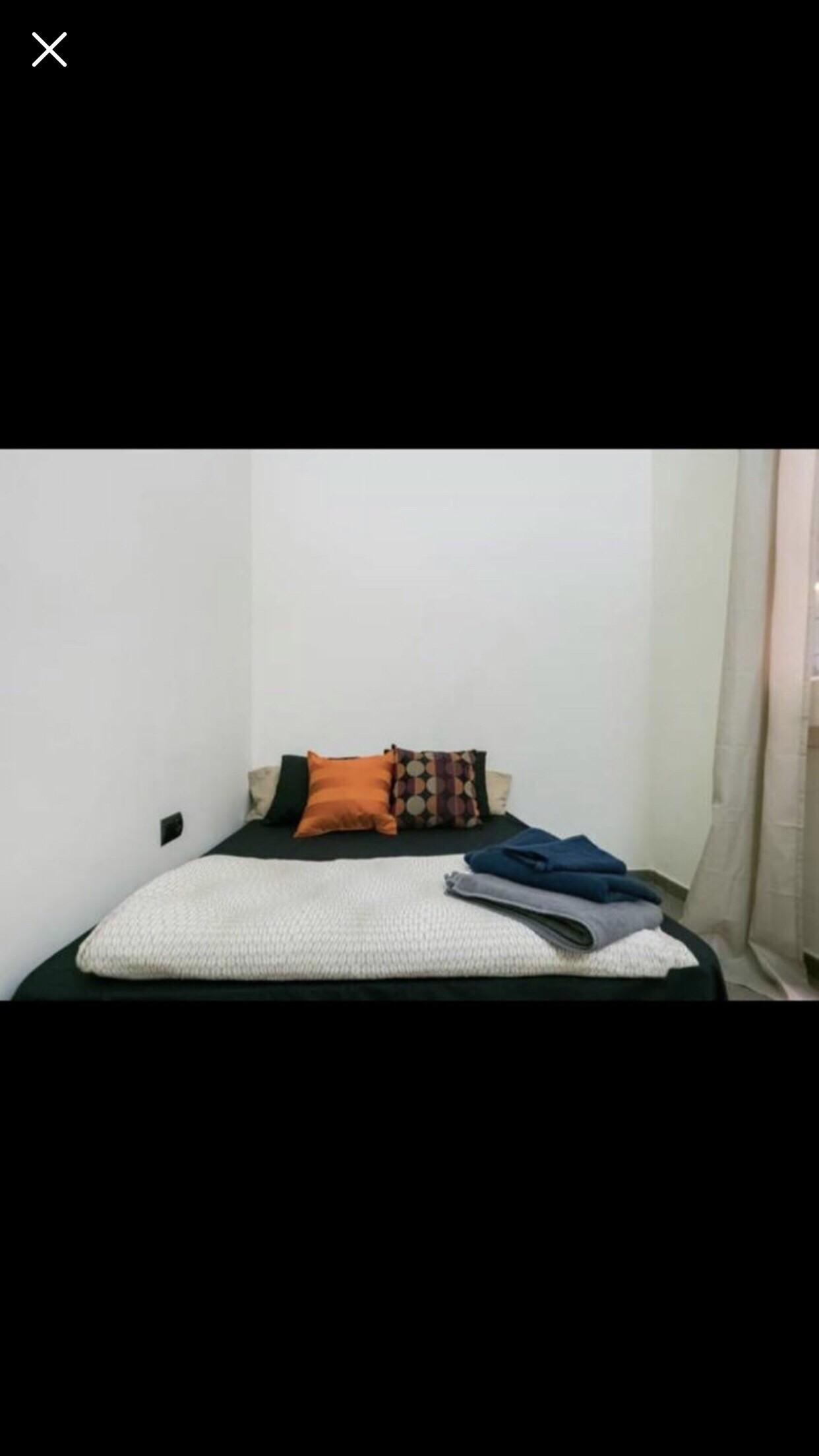 double-bed-roomin-room-flat-b92a0ad2fa6a0f94a2b8b410dba070e1