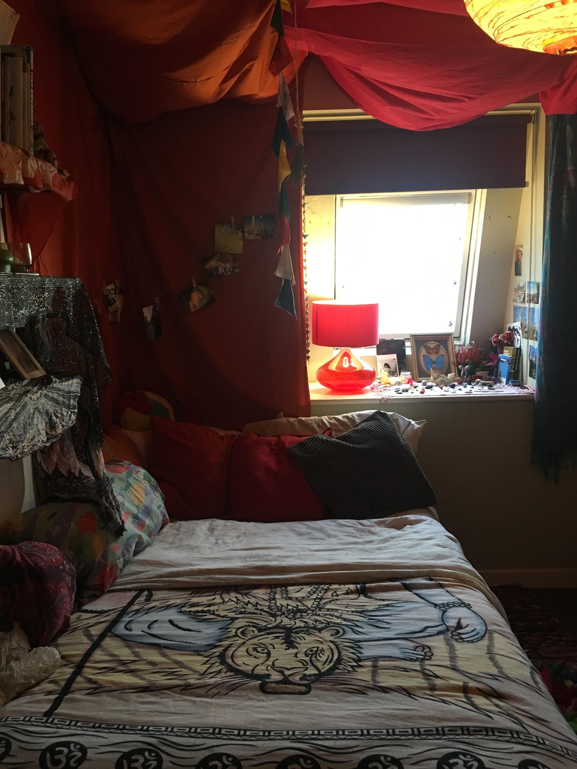 double-bedroom-exchange-student-central-8c8bbc56de3e90c0e79daf87d8af2c71
