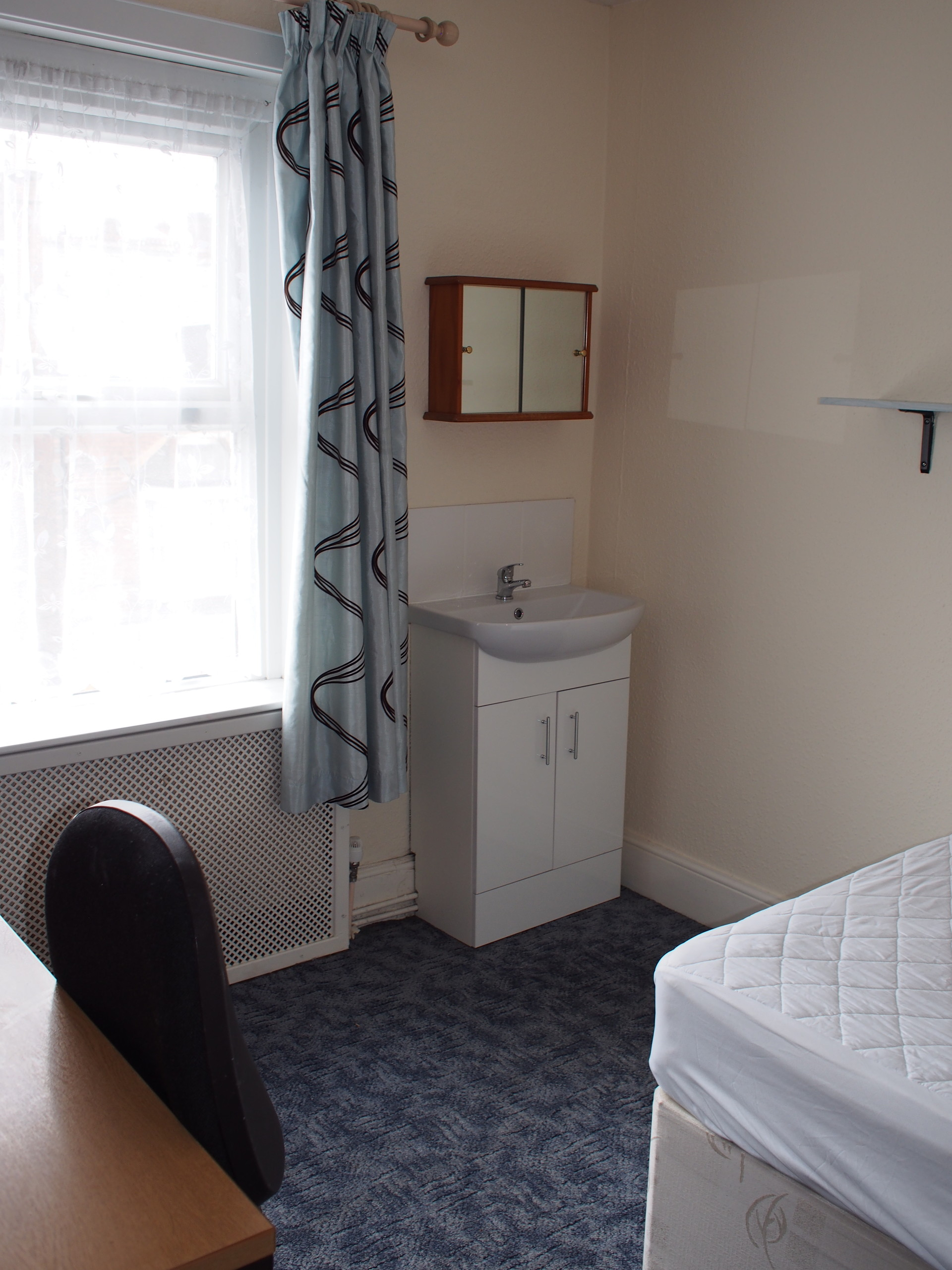 Double Bedroom With Washbasin