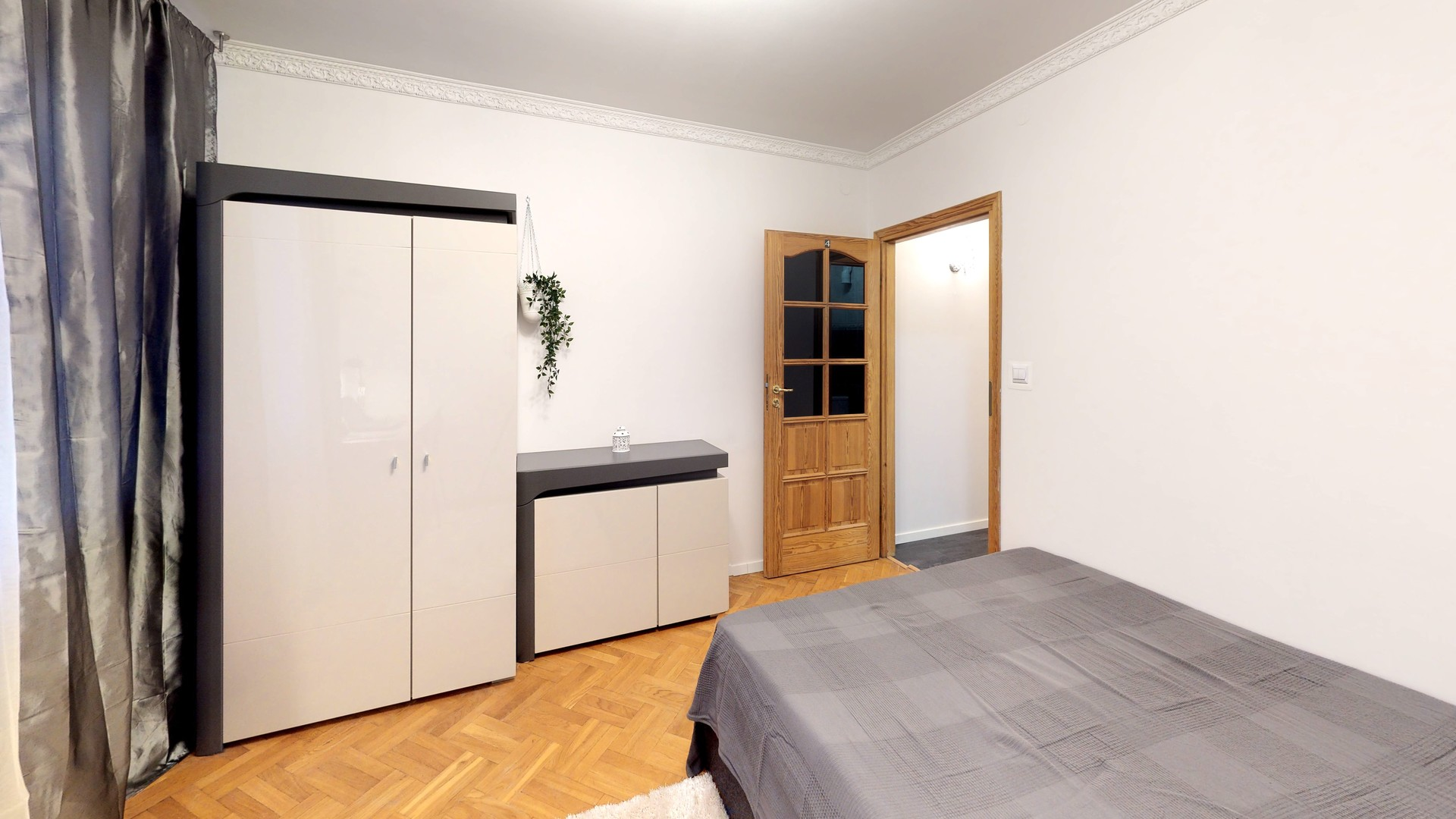 Double big room with large bed for pair.