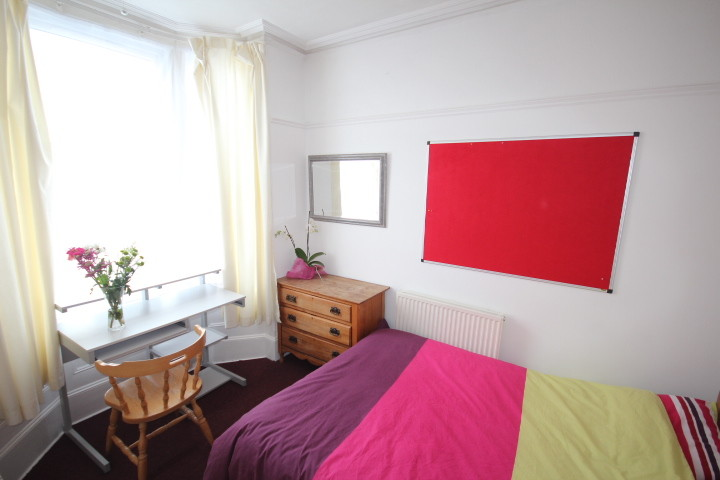 Double room in good quality shared house in Southsea, Portsmouth ...