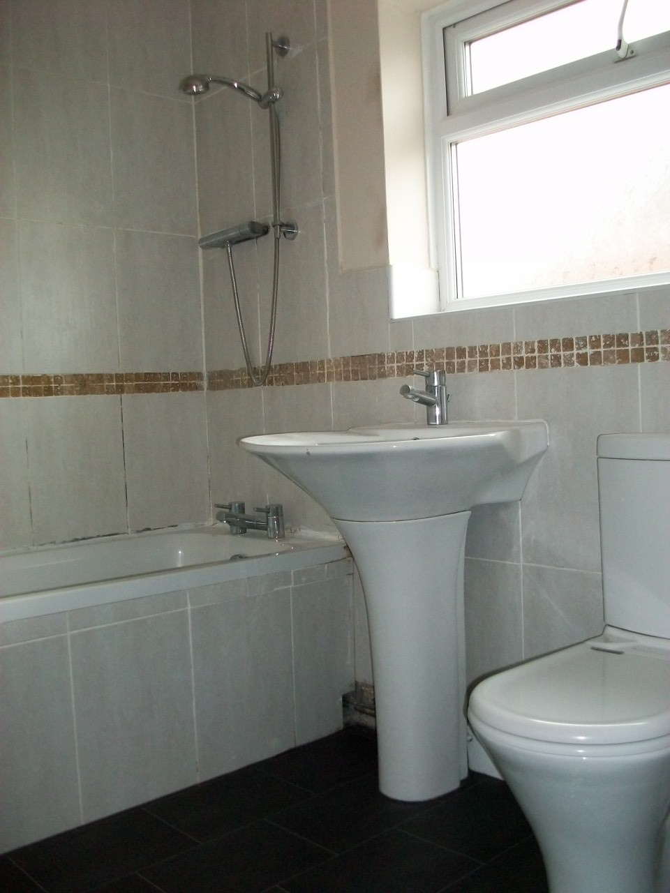 Double room in a large house near to Royal Preston Hospital