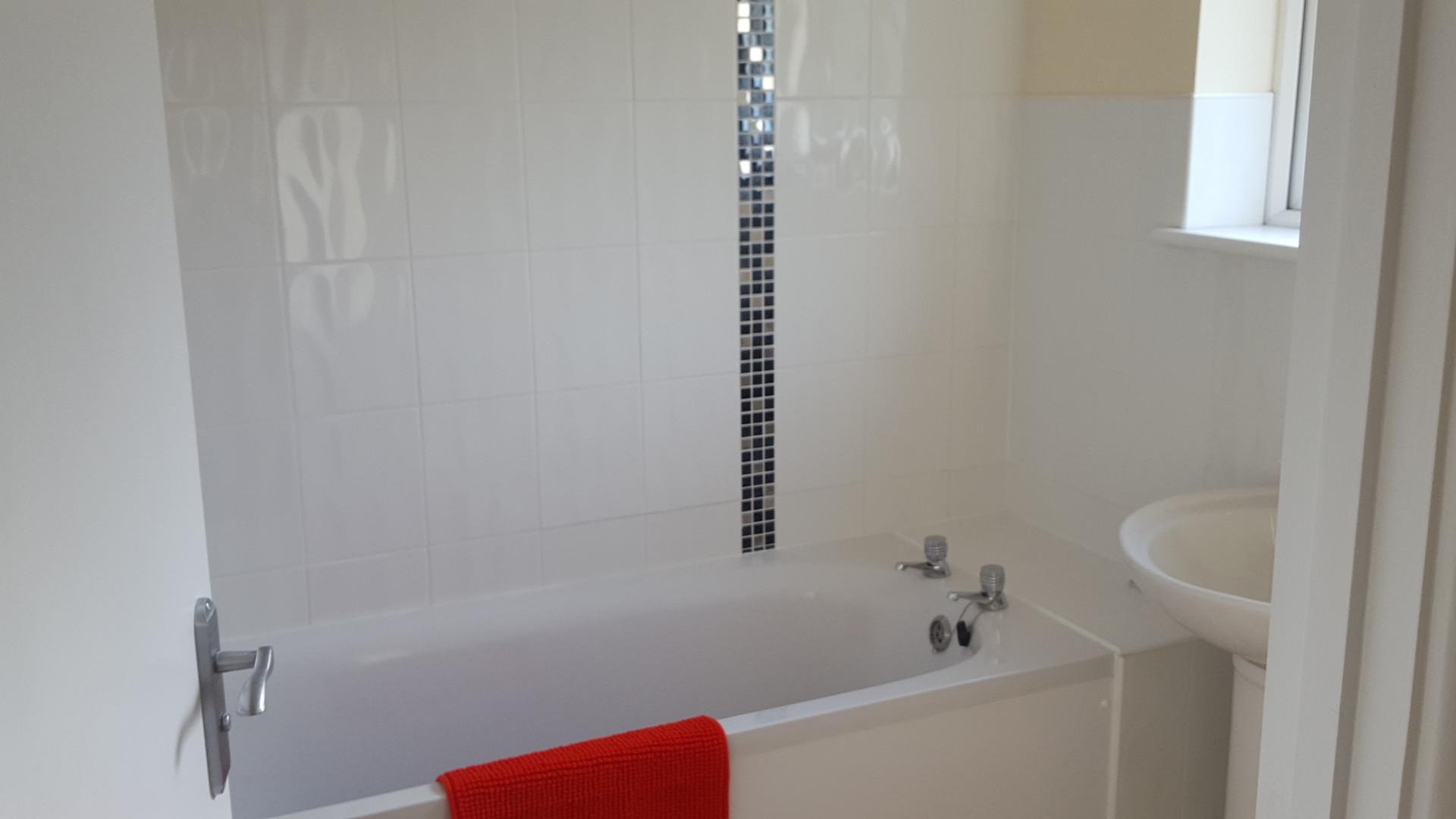 double-room-lovely-refurbished-house-share-redditch-823463c5fd41b0c32f864606f3d2e3d2.jpg