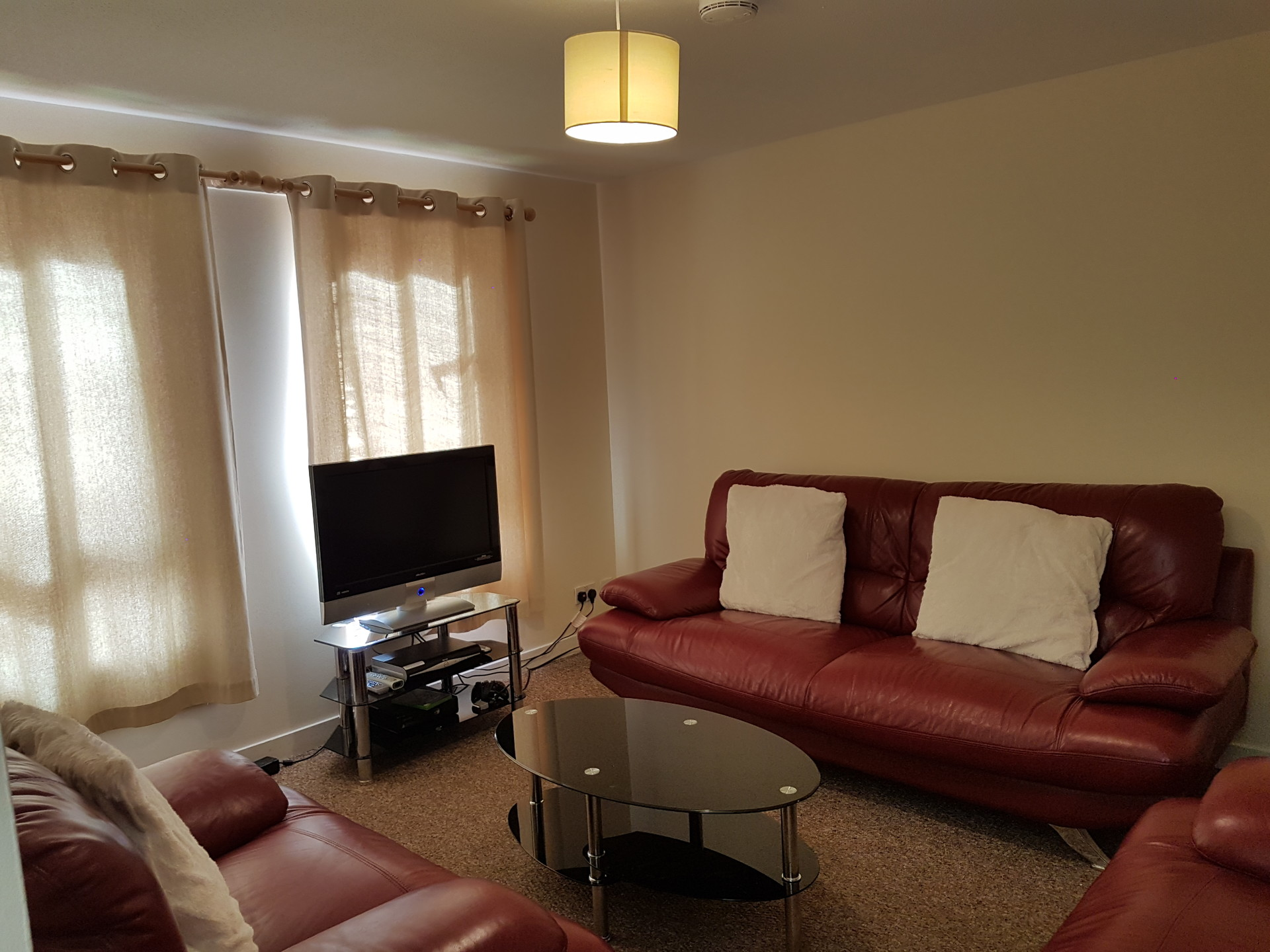 Rooms: Double Room In Shared 2 Bed Flat Near The City Centre And