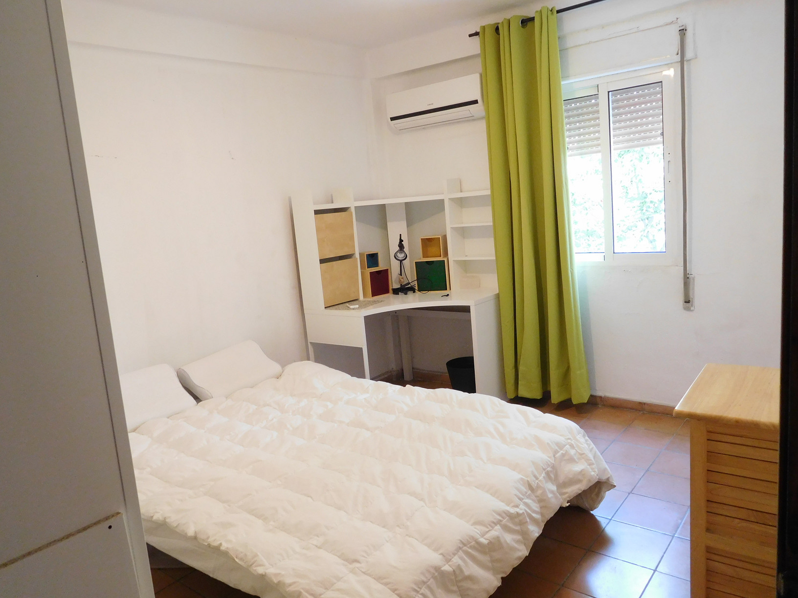 Double Room In Shared Flat Heating And Air Conditioning