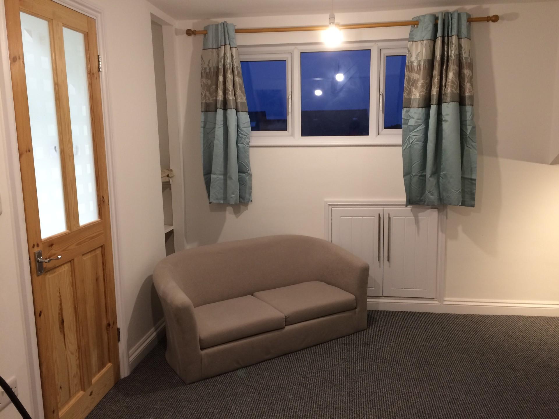 double-rooms-smart-houseshare-close-to-u