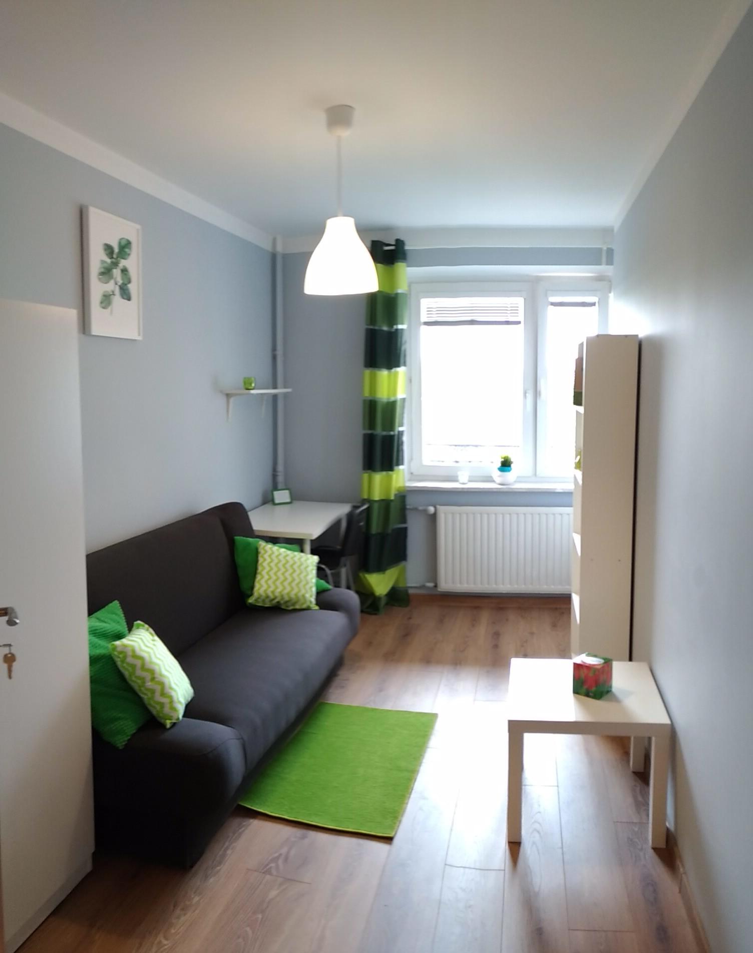 Duży pokój w Warszawie blisko metra Imielin, SGGW