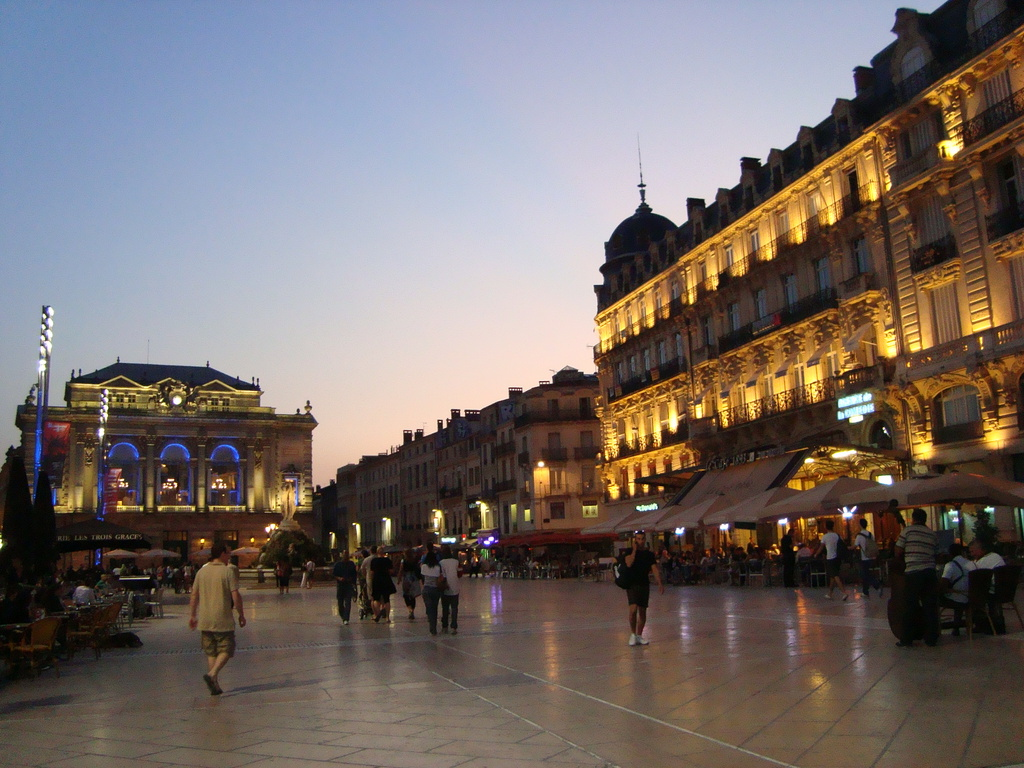 place de la comedie erasmus photo montpellier. Black Bedroom Furniture Sets. Home Design Ideas