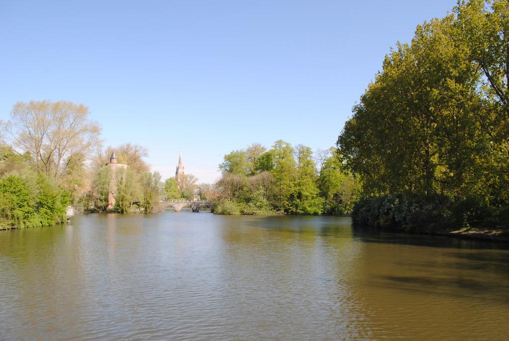 el-lago-del-amor-d33554e201a70b0166703fd