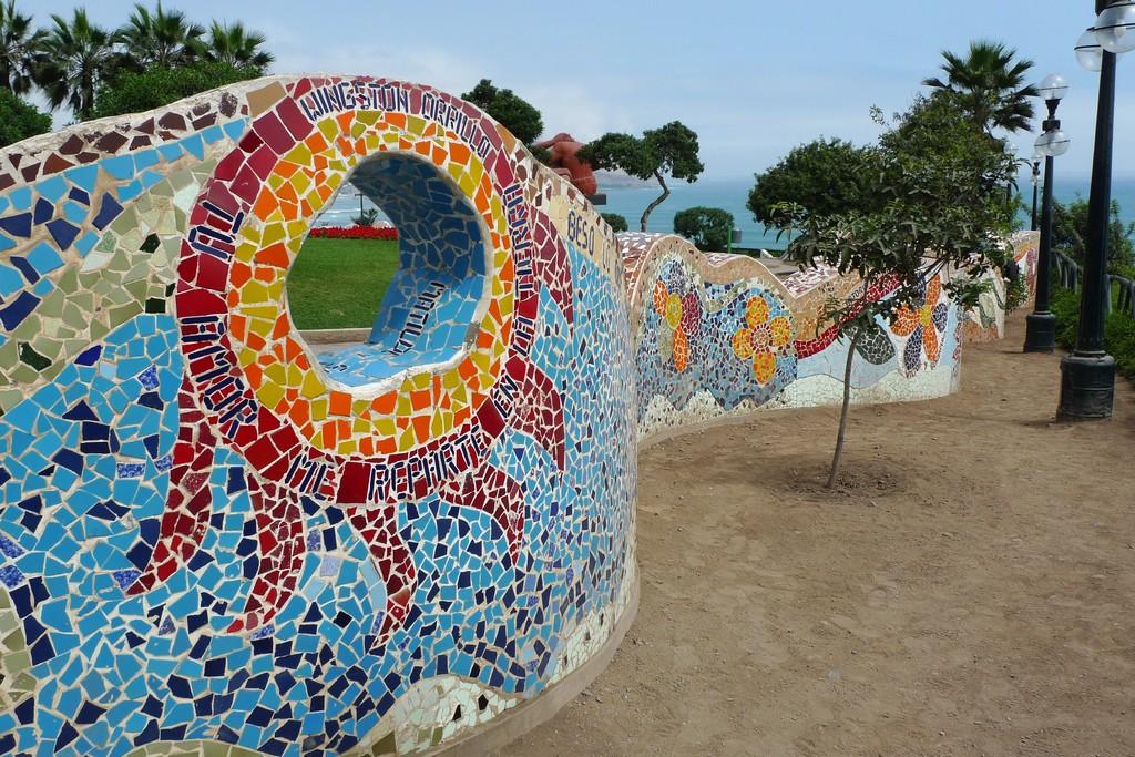 el-parque-romantico-lima-0de8af4b80f5187