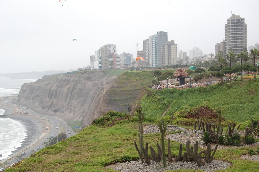el-parque-romantico-lima-b894faf082115ff