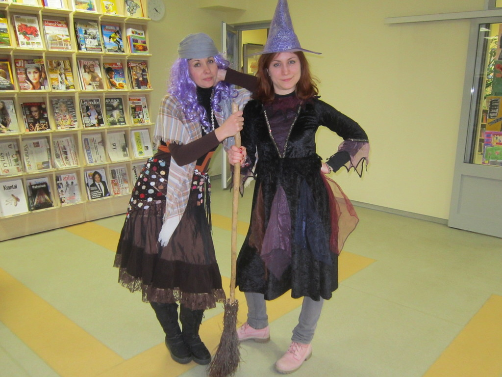 ... Election of the BEST CHILDREN BOOK (and the best witch costume)  sc 1 st  Erasmusu.com & Election of the BEST CHILDREN BOOK (and the best witch costume ...