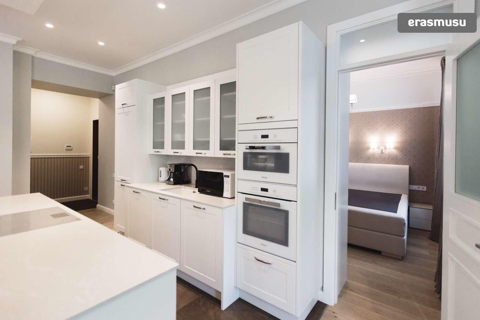 elegant-1-bedroom-apartment-rent-centrs-1f8b26299cf2e7f5afa2c082