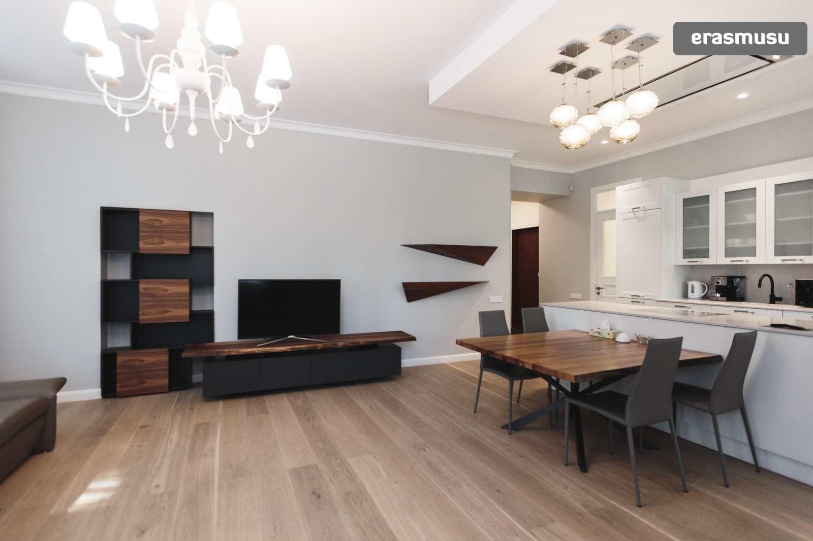 elegant-1-bedroom-apartment-rent-centrs-6bc2b76d7c3e55376b704973