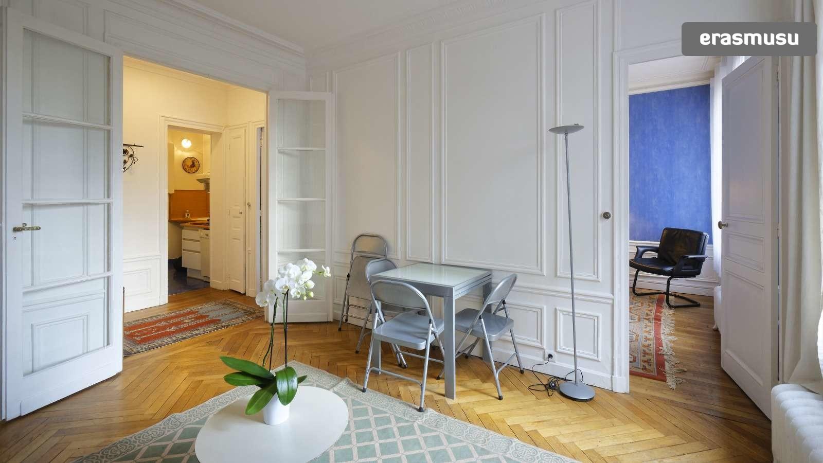 Elegant 1 Bedroom Apartment For Rent In Passy With Utilities Included Flat Rent Paris