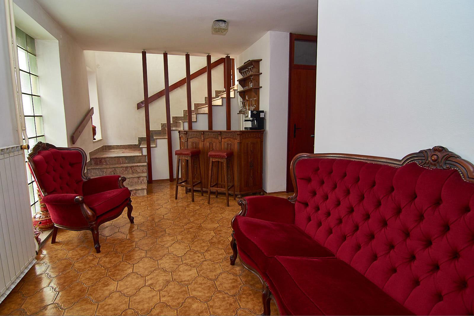 emona-apartments-f36feb7bfa6088ec739f7e1a51d20307