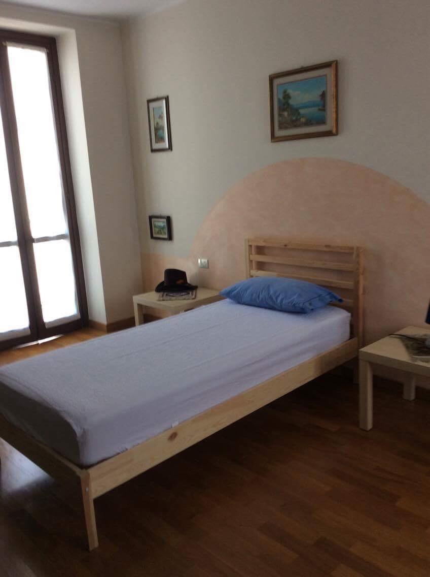 ENORME stanza singola HUGE single bedroom
