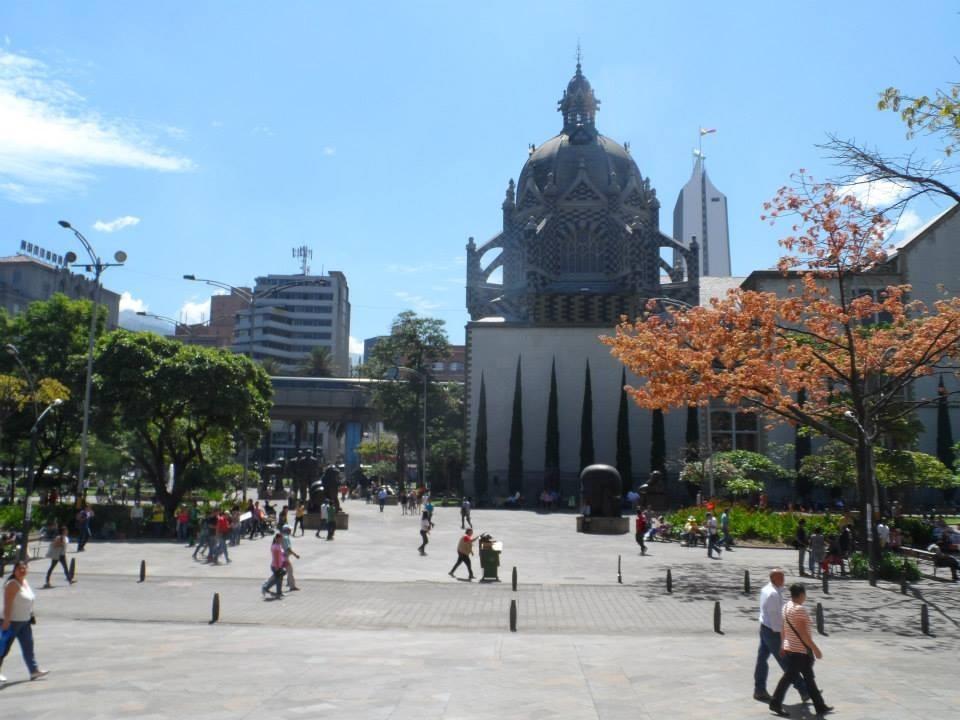Plaza Botero O Plaza De Las Esculturas Qué Ver En Medellín