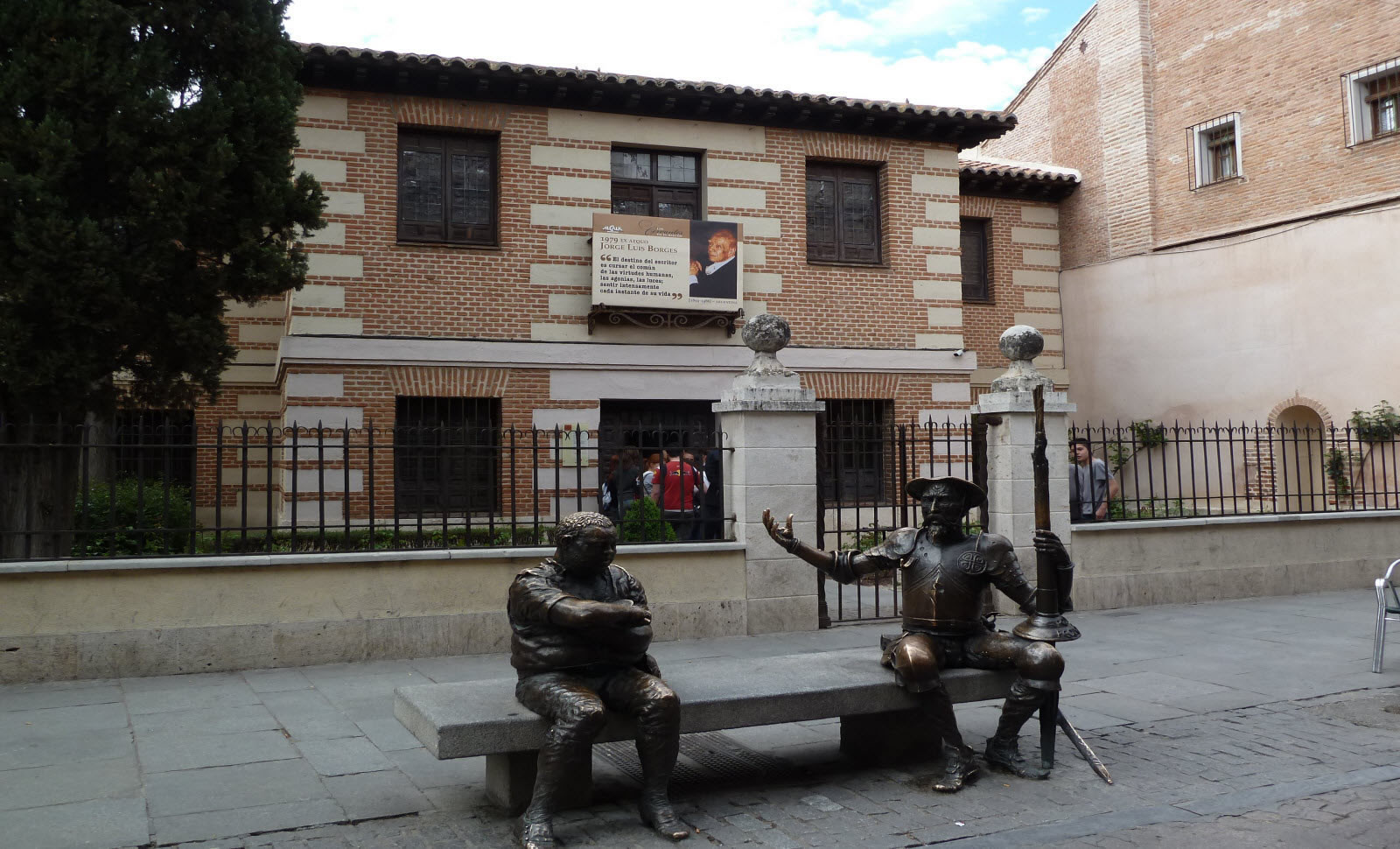 Erasmus experience in alcal de henares spain by emily for Oficina inem alcala de henares