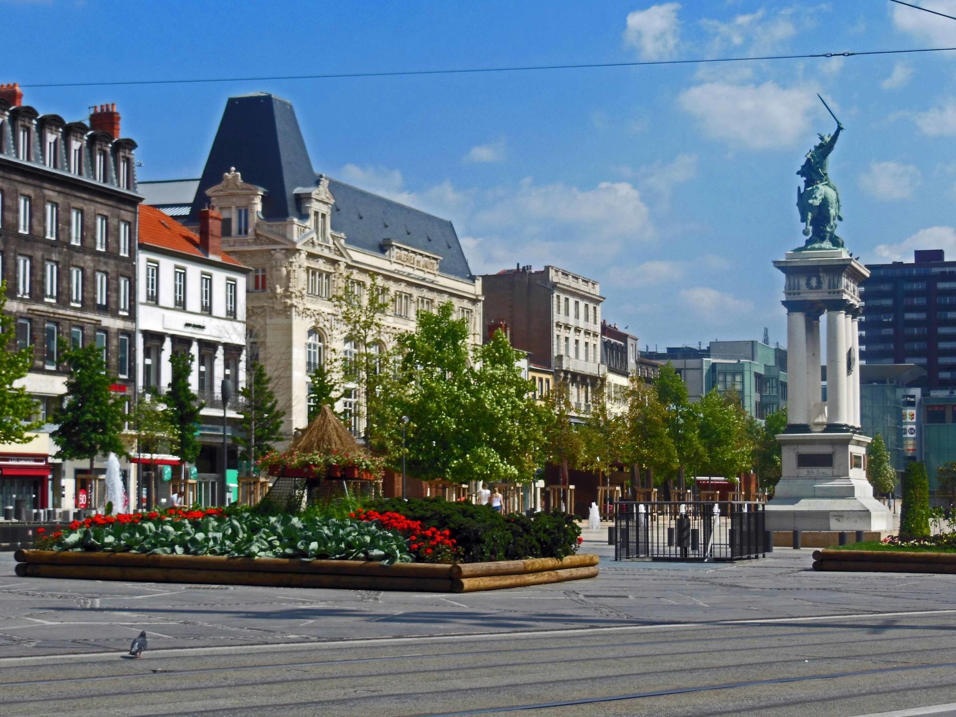Erasmus Experience in Clermont-Ferrand, France by Krazz ...
