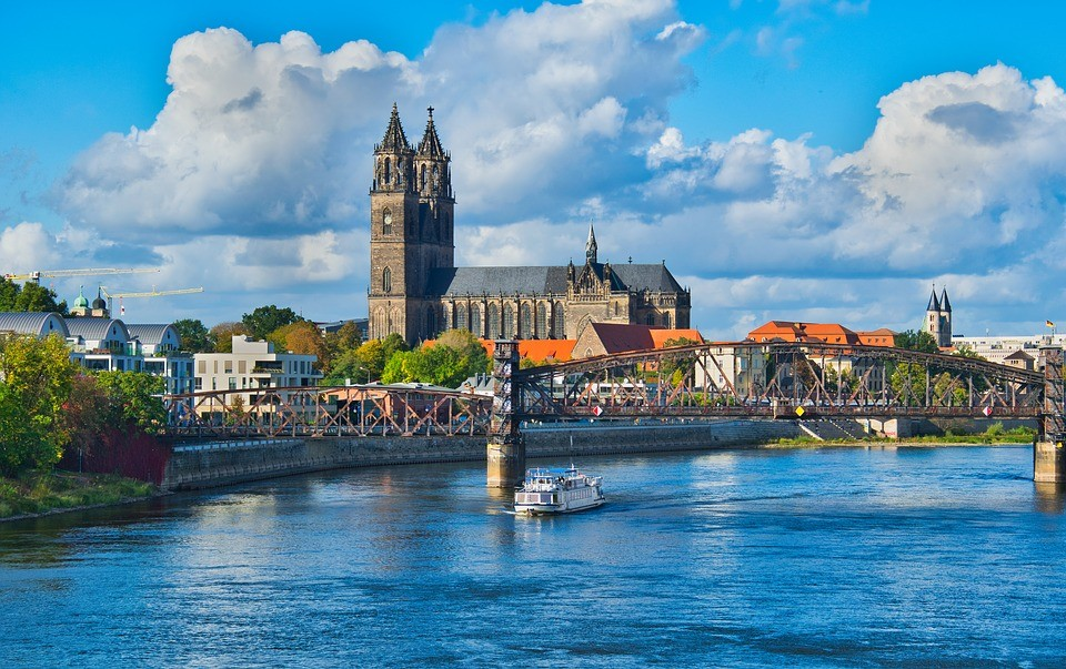 Halle Magdeburg